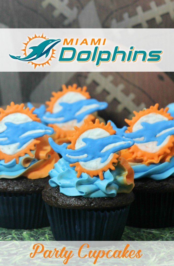 Miami_Dolphins_Cupcakes_mommymafia.com